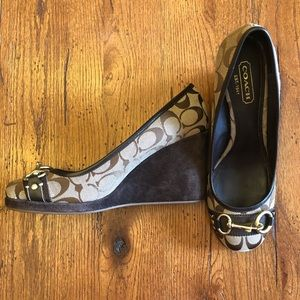 Like New Coach Issy Brown Signature Wedge Pumps